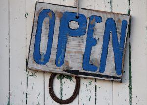 COVID-19: Maßnahmen und Öffnungszeiten